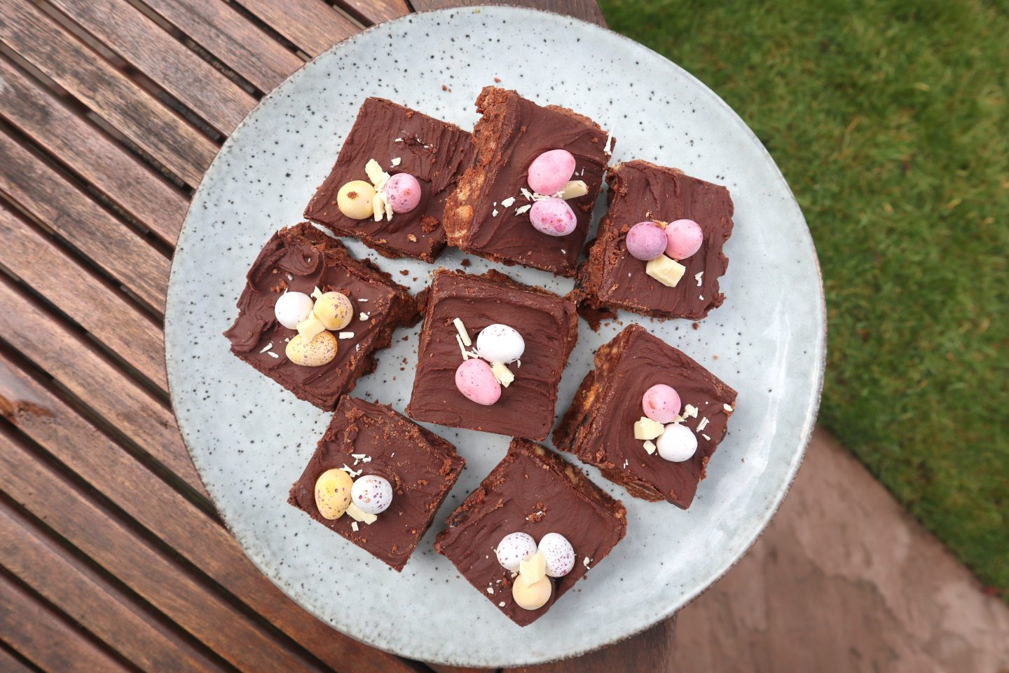 EASY EASTER TIFFIN
